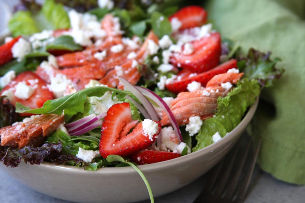 Порционный салат с семгой рецепт с