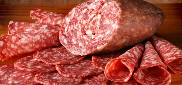 Как нарезать колбасу. Режем колбасу для себя и для праздничного стола